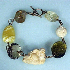 Bracelet: Shades of gold